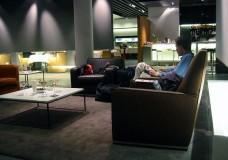 Skapa en kreativ och inspirerande arbetsplats med loungemöbler